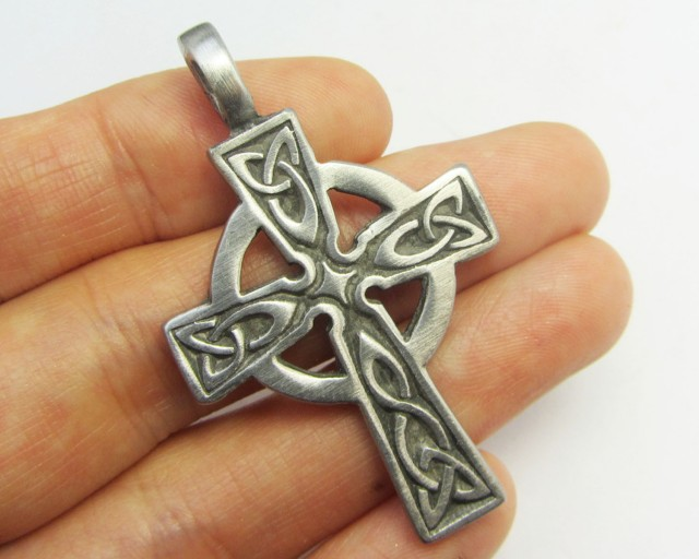 FREE SHIPPING QUALITY MADE PEWTER PENDANT  QT 607